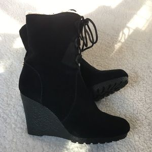 Michael Kors suede leather wedge, woolly boots